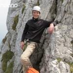 17-Klettern-Kampenwand-Warten-am-Fuß-des-Teufelsturms