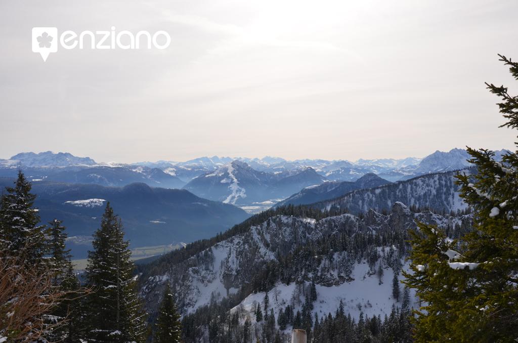 Blick in die Alpen von der Kampenwand aus