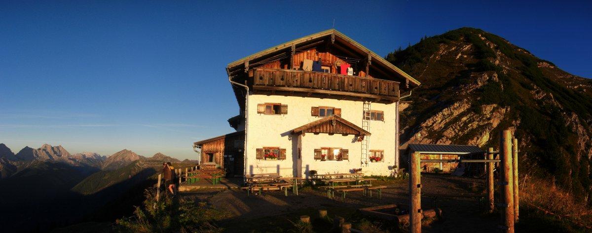 Tölzer Hütte morgens