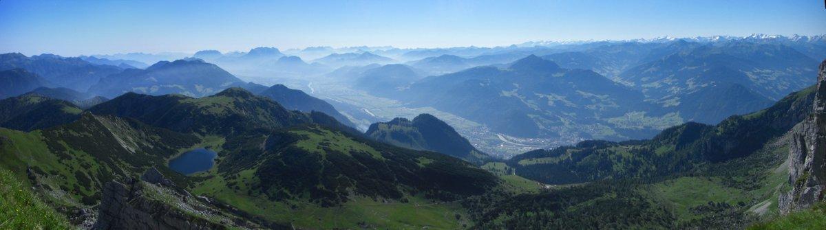 Morgendliche Stimmung in den Alpen - Blick vom Rofanturm