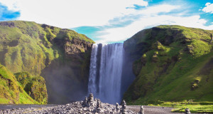 Wandern auf Island: Zum Skógafoss Wasserfall