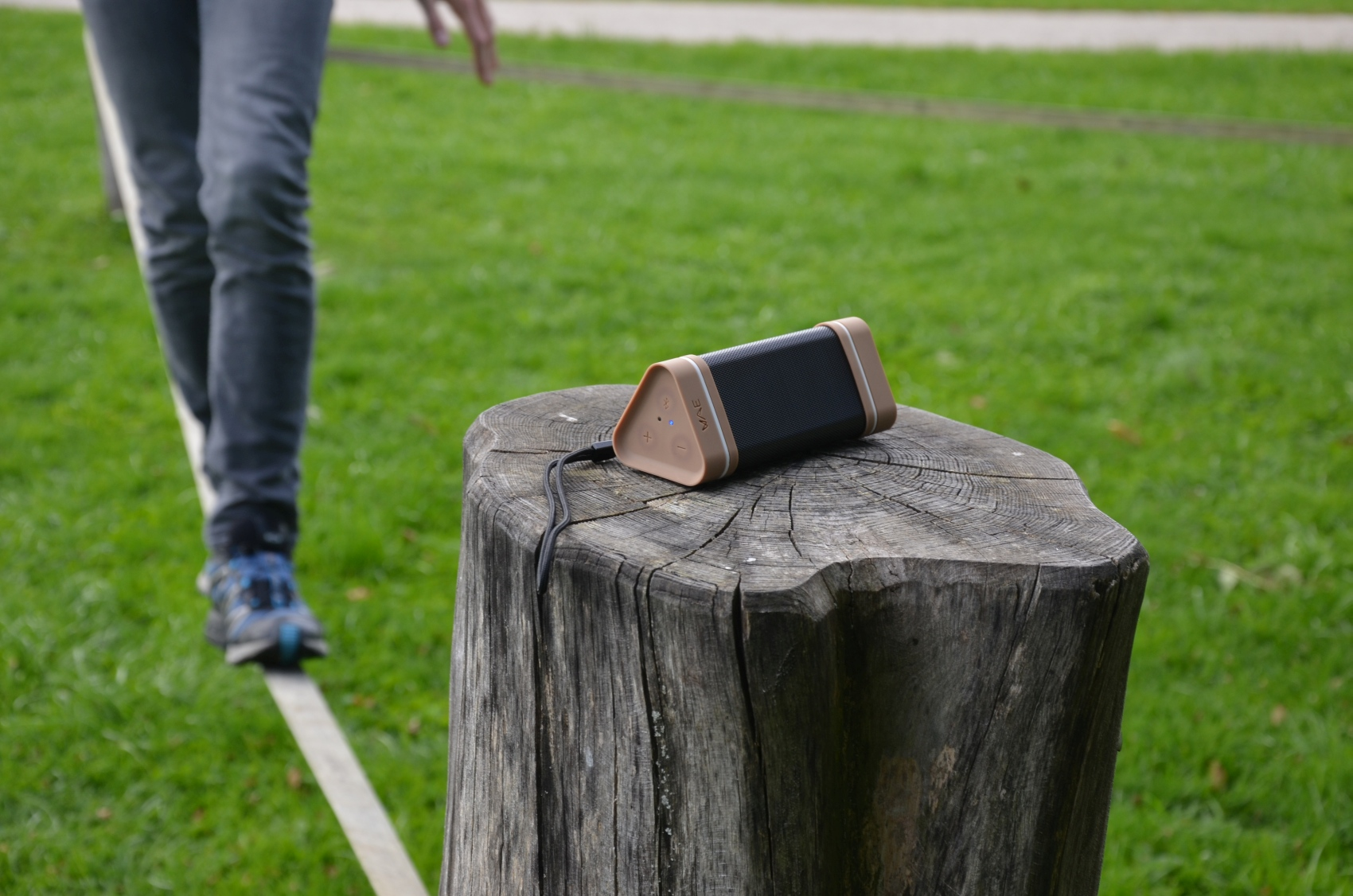 testbericht wae outdoor lautsprecher enziano blog. Black Bedroom Furniture Sets. Home Design Ideas