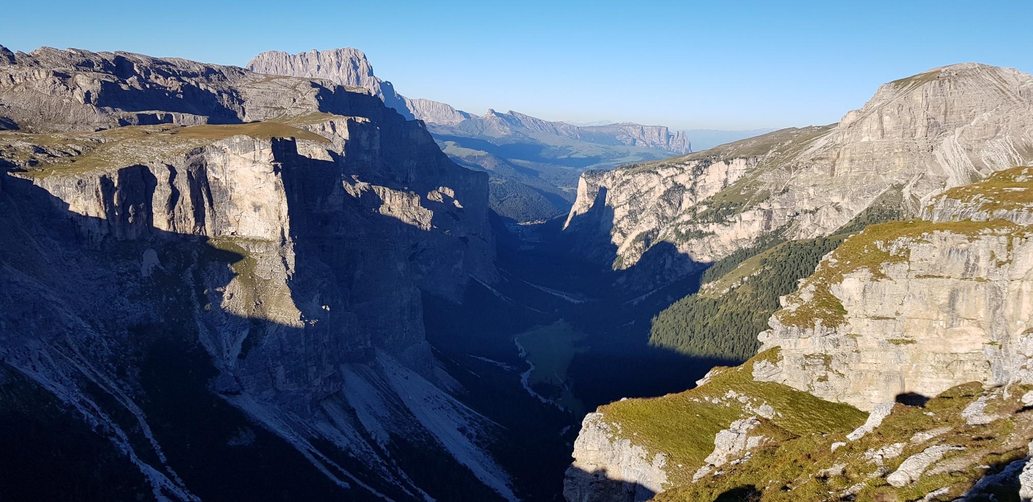 Ausblick bei der Wanderung am Dolomitenhöhenweg